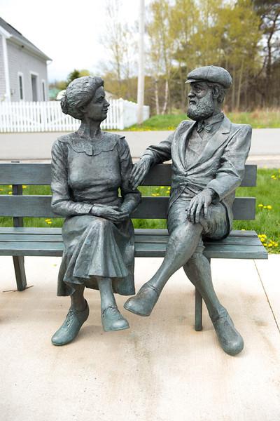 Mabel & Alexander Graham Bell statues