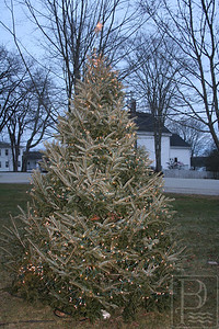 cp_web_light_up_castine_commons_121213