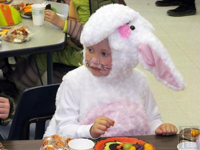 ia_pg3_dises_halloween_bunny_110713