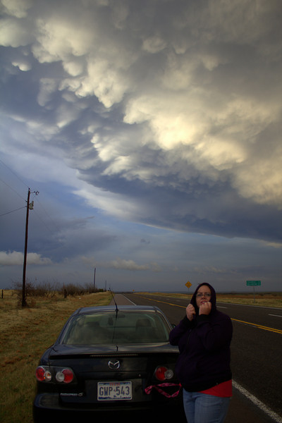 Jaime blocking the cold NWly winds under a nice mammatus display.
