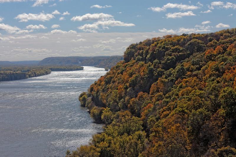 Hanging Rock Mississippi River Overlook