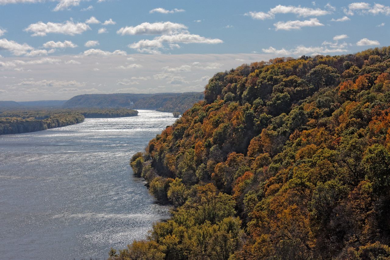 Hanging Rock Mississippi River Overlook