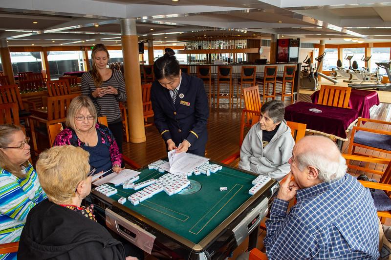 Mahjong - Ruby teaches the game to tourmates