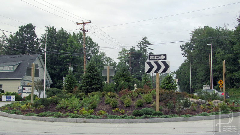 WP Roundabout Weeded Jaffrey 080414 FD7