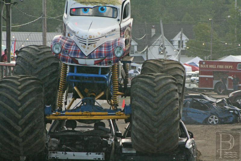 APP BHF Monster Trucks Jethrow Tow 3 090414 JS