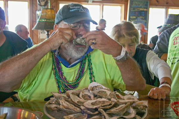 WPCP Oyster eating champs Castine guy 091814 AB