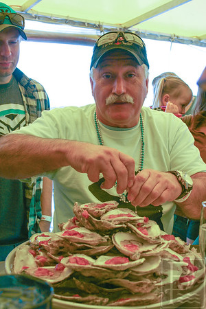 WPCP Oyster eating champs Stearns 2 091814 AB