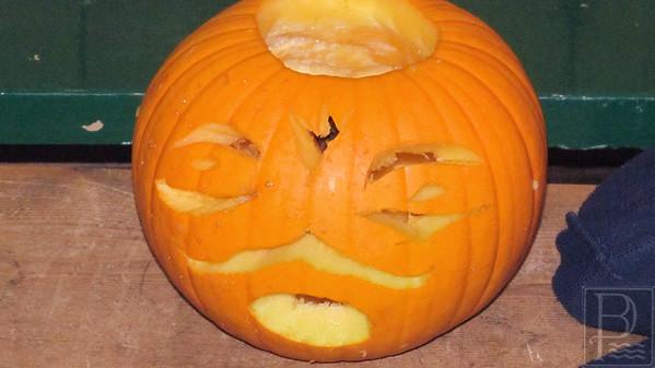 IA ICC pumpkin carving CarvedPumpkin 102314 FB