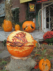 CP PumpkinFest Carving2 102314 TS