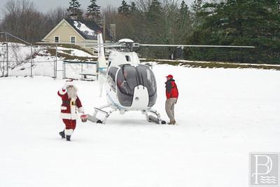 CP flying santa santa waves 120414 AB