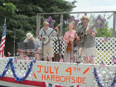 WP BvilHarbSd 4th musicians 071014 TS