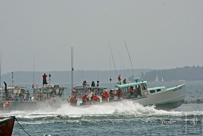 IA Ston Lobster Boat Races Watching Kimberley Alison 071714 AB