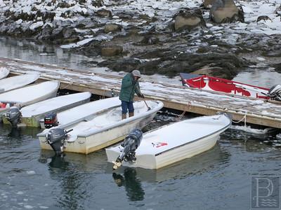 IA Storm Shoveling boat 012915 MR