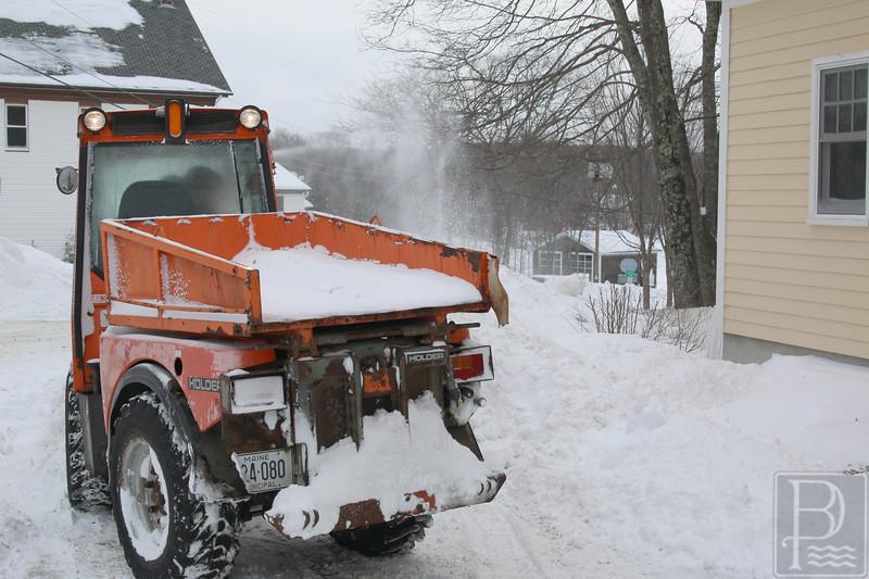 WPCP Snowstorm sidewalk 4 012915 AB
