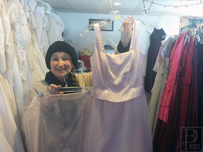 IA Queens Closet CathyBoyce 2 Showing 022915 JB