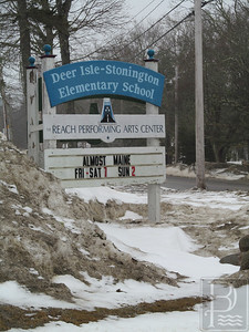 IA-FILE-Deer-Isle-Stonington-School-Elem-Sign-3-032615-TS