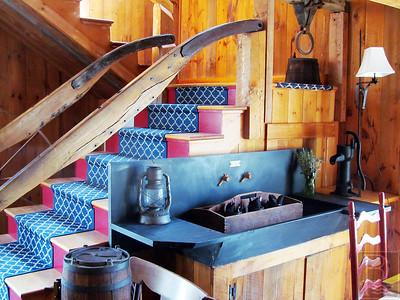 WP-Farmhouse-Inn-Stairway-042315-TS