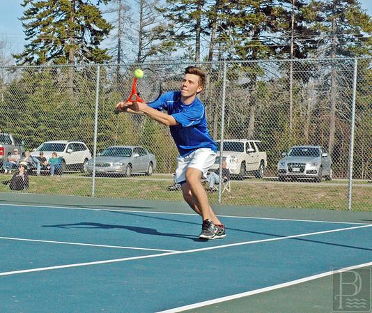 Sports-DIS-tennis-MarvinHitsIt-050715-JS.jpg