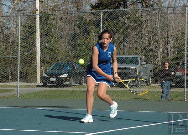 Sports-DIS-tennis-JustineEyestehBall-050715-JS.jpg