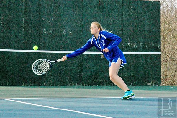 Sports-DIS-tennis--JordynReachesforit-050715-JS.jpg