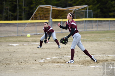 Andrea simmons throws a pitch