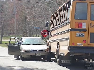 IA-Bus-Accident-4-051415-JB