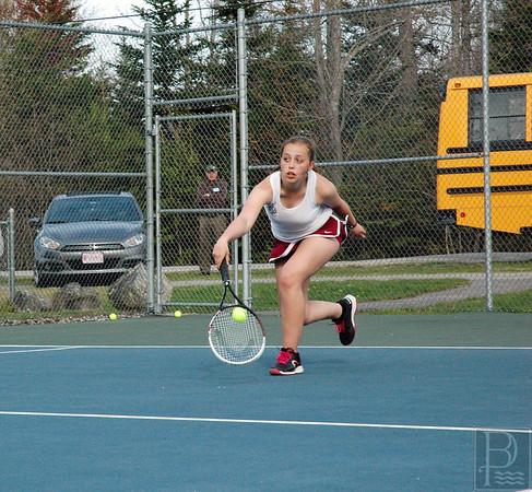 Sports-GSA-tennis-v-DIS-Adrian-van-der-Eb-0523115-JS.jpg
