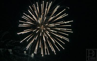 IA-stonington-pier-fireworks-starburst-3-071615-AB