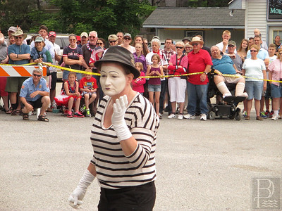 WP-4th-Brooklin-Circus-Mime-070915