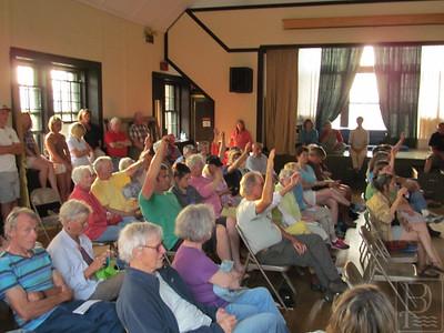 IA-Isle-au-Haut-meeting-Ted-voters-3-071615-FD