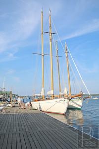 CP-CYC-schooner-expo-front-0880615-AB