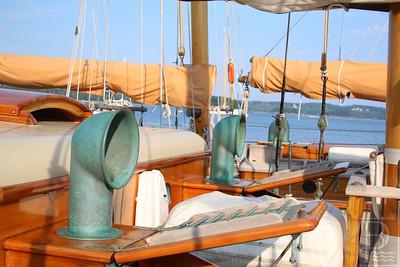 CP-cyc-schooner-exp-deck-080615-AB