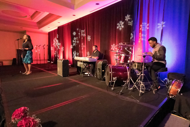 2015_Annual_Christmas_Gala_IMG_0046_RRPhotos