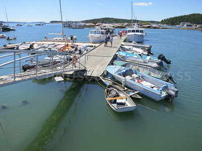 IA-DIS-boat-show-Floats-081116-MR