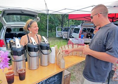 IA-Farmers-Market-coffee-081816-MR