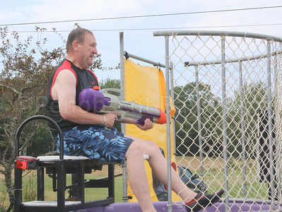 WP-Bville-Days-Scott-Kane-in-dunk-tank-081116-ML