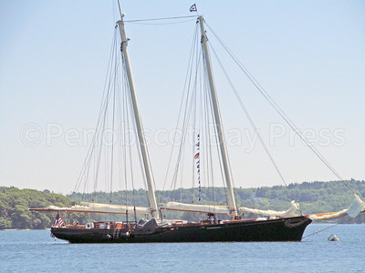 CP-Dorade-and-America-in-Castine-America-close-up-081116-ML