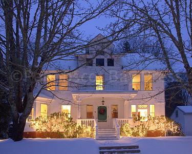 CP-holiday-lights-Court-St-122216-RW