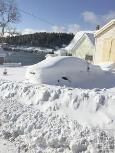 IA-Snow-pics-Car-Buried-021816-LR