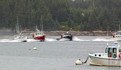 IA-Ston-lobster-boat-races-starting-line-071416-ML