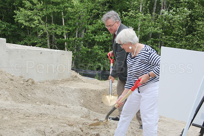 WP-Bagaduce-Lending-Library-groundbreaking-ceremony-Whit-Chapman-and-072116-ML