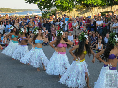 IA-Island-July-4-Dancers-070716-MR