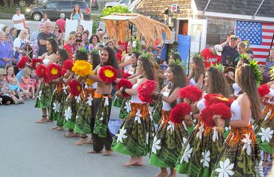 1-IA-July4-Hula-Dancers-02-070716-JS