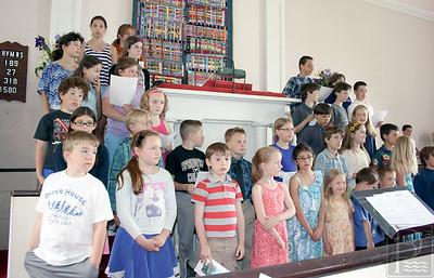 CP-Adams-School-grad-kids-singing-061616-ML
