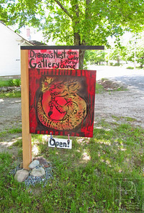IA-Dragons-Nest-Gallery-sign-062316-ML