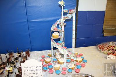 CP-Pen-fashion-show-cupcakes-051916-ML