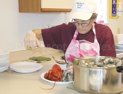 WP-Bville-lobster-meal-Limeburner-serving-111016-ML