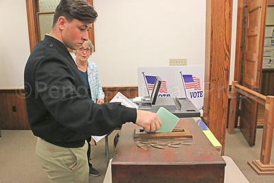 CP-elections-cast-ballot-box-111016-AB