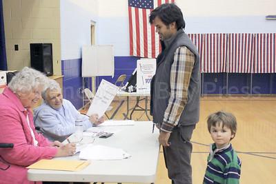 CP-elections-pen-boy-111016-ab