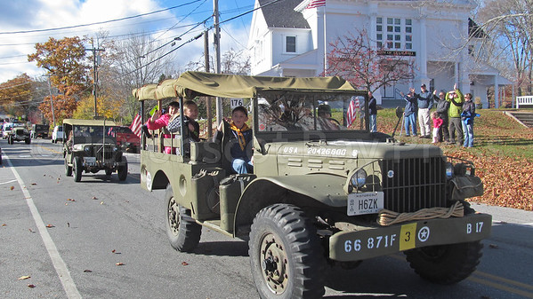 WP-Vet-day-parade--scene-111716-AB